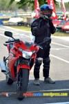 Tanpa wearpack or racing suit...ora sedeng :(