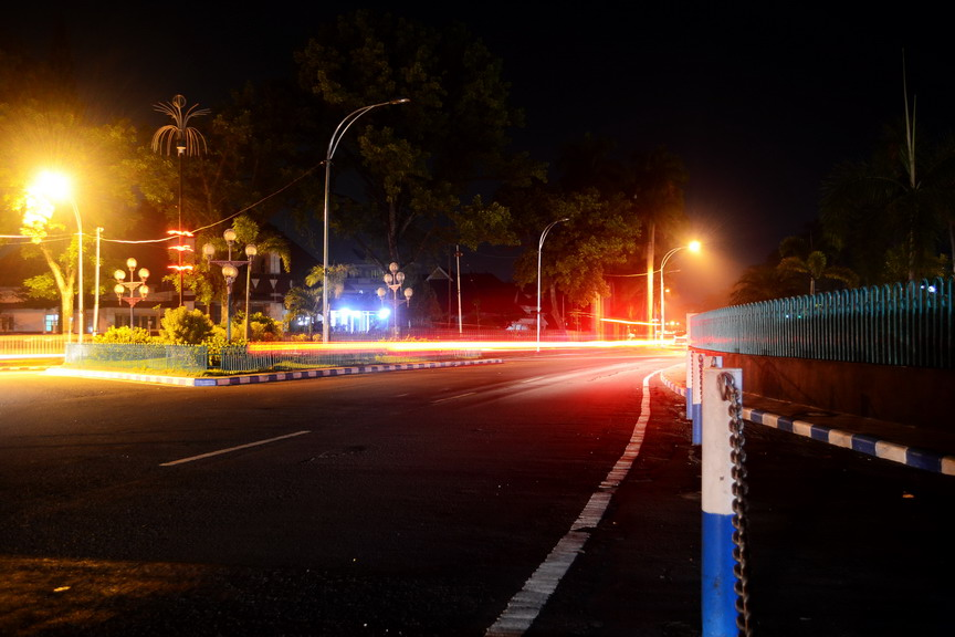Cahaya Malam Di Batu Dan Malang Wiro Nyobamoto