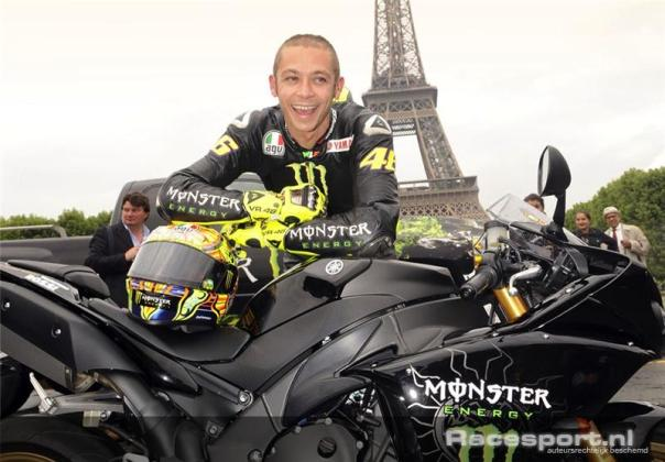 Valentino Rossi berbalut Monster Energy