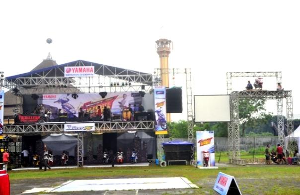 Main Stage yang digunakan band saat perform