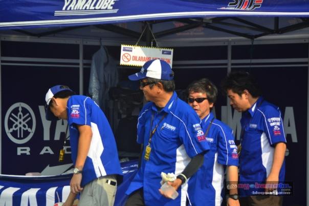 Orang² Jepun di tim Biru