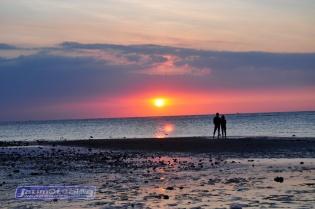 Jelang Senja di Pantai Pasir Putih