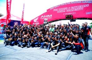 Honda CB150r_Sirkuit Kenjeran Foto Bareng