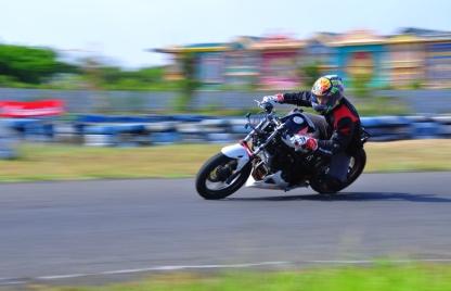 Honda CB150r_Sirkuit Kenjeran Mantab Aksinya