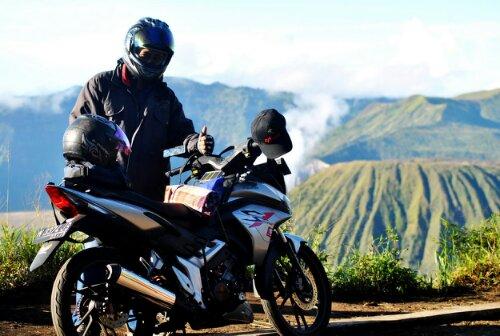 Honda CS1 dan nyobamoto.com di Penanjakan Bromo