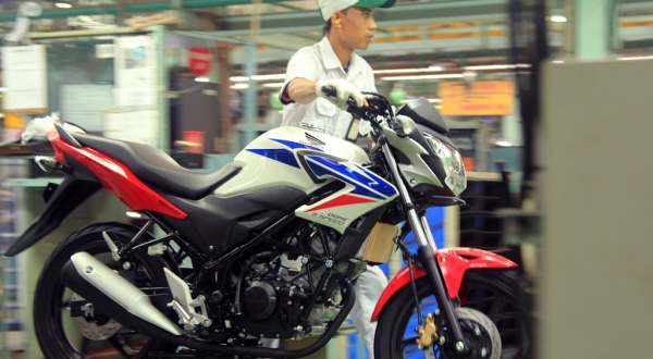 Honda CB150r New Striping - Red White Blue khas HRC -