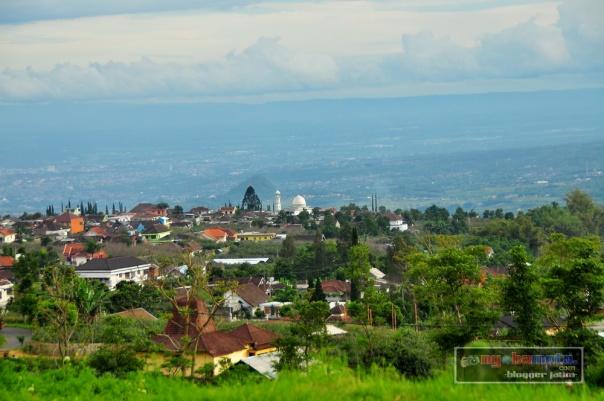 Idahnya Batu dilihat dari sisi utara - Rute Batu Mojokerto lewat Cangar & Pacet -