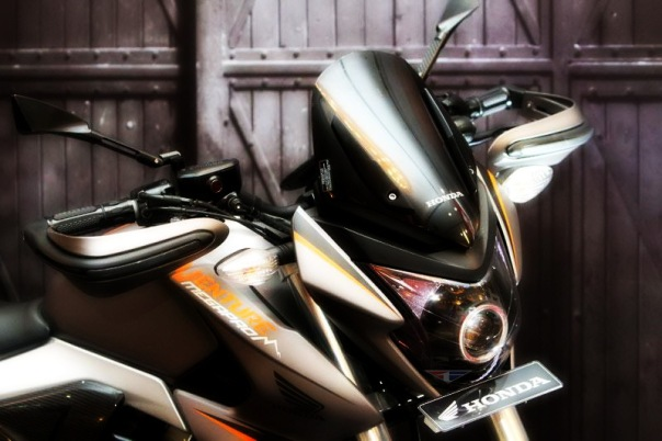 Honda New Megapro AHM Turing Adventure 02
