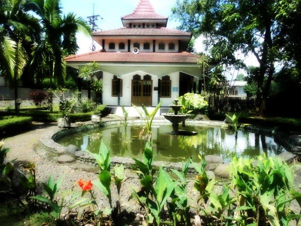 Musholla di Dalam Kebun Raya Purwodadi