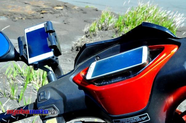 LG L5 jalankan My Track mode Record Samsung S4 jalankan Navitel