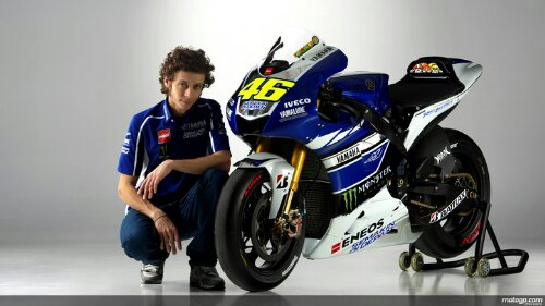 wpid-Valentino-Rossi-and-his-2013-Yamaha.jpg