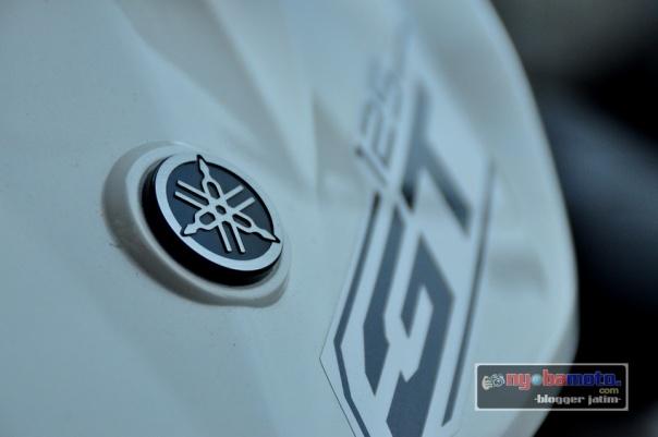Yamaha GT125_Tebeng Depan putih