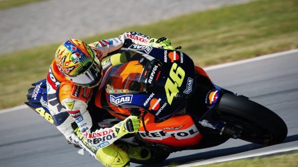 Rossi saat menggunakan motor Honda