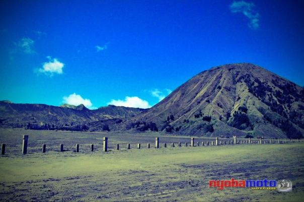 Depan Puri, Bromo dan Batok