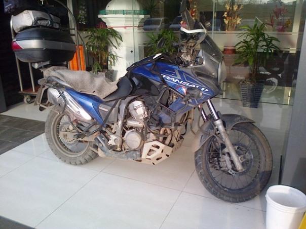 Honda Transalp 700cc kotor from : bro Vandra MMBlog
