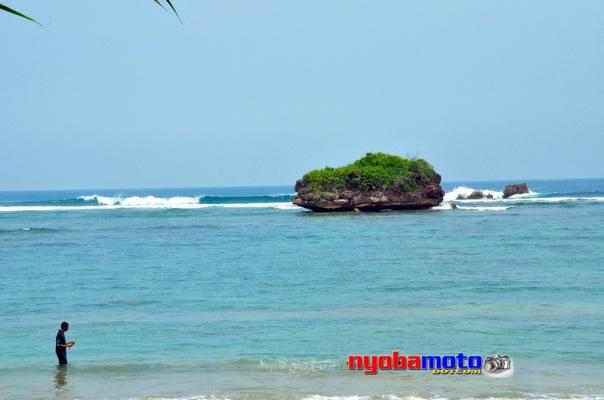 Pantai Kondang Merak 05