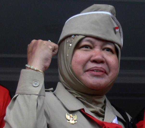 Risma, Wali Kota Surabaya