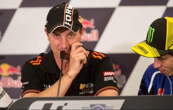 Saat Colin Edwards pamitan, Rossi bersedih