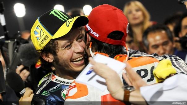 Rossi memeluk Marquez