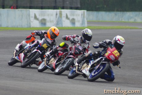 Kejurnas 150cc 2 Satria FU dan 1 CBSF di podium