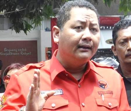 Wisnu Sakti Buana - Wakil Wali Kota Surabaya dan Ketua PDIP Surabaya -