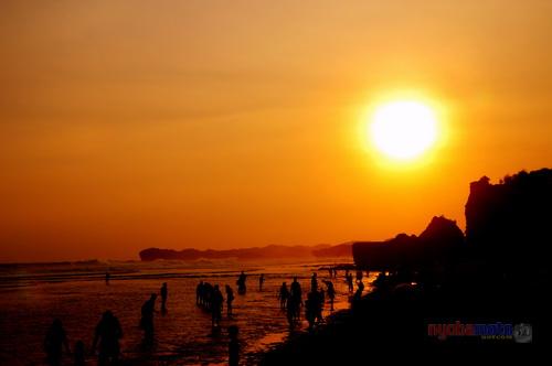 Sebelum cabut dari Pantai Indrayanti