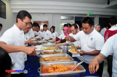 Factory Visit Aqua 25_Buber Blogger Jatim