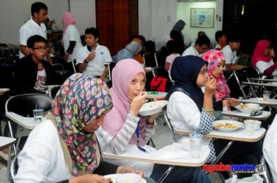 Factory Visit Aqua 28_Buber Blogger Jatim