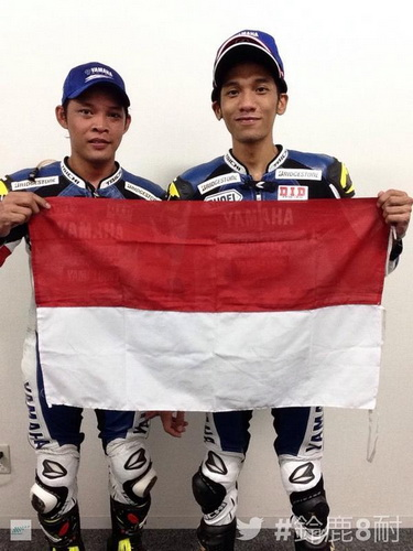Sudarmono dan Sigit PD runner up Suzuka 4 Hours Endurance Race 2014