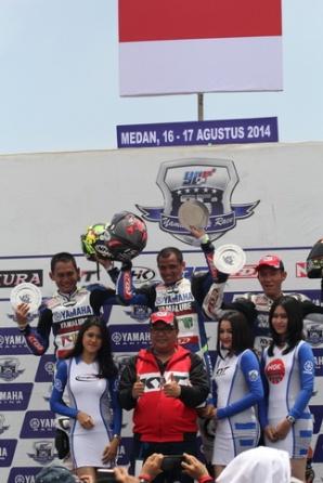 Podium kelas YCR 1 seri 4 Yamaha Cup Race di Medan