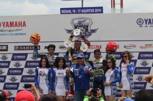 Podium kelas YCR 3 seri 4 Yamaha Cup Race di Medan