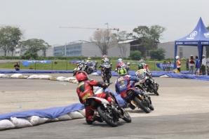 Seri 4 Yamaha Cup Race di sirkuit ex Bandara Polonia Medan (3)