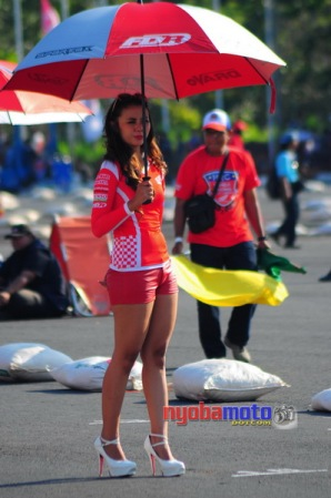 Umbrella Girl 2