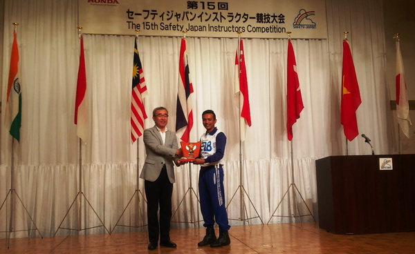 Instruktur Honda Indonesia Juara Safety Riding International