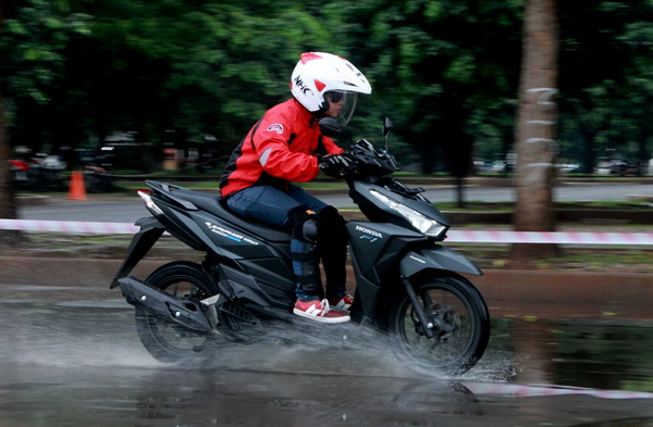 Launch Vario 150 dan test ride