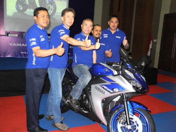 Management PT Yamaha Indonesia Motor Manufacturing dalam launching YZF-R25 ABS