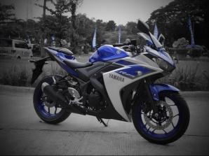 Yamaha YZF r25 versi ABS