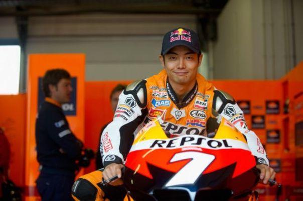 Hiroshi Aoyama yang juga apes...diseruduk Danilo Petrucci (Pramac Ducati)