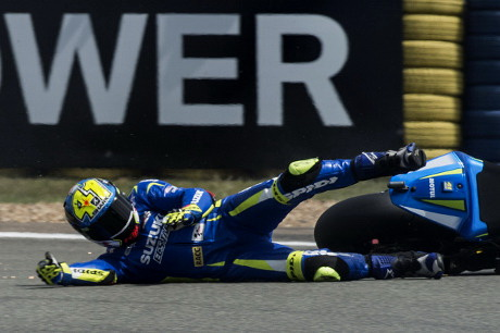Aleix Espargaro Terjatuh di Le Mans Perancis