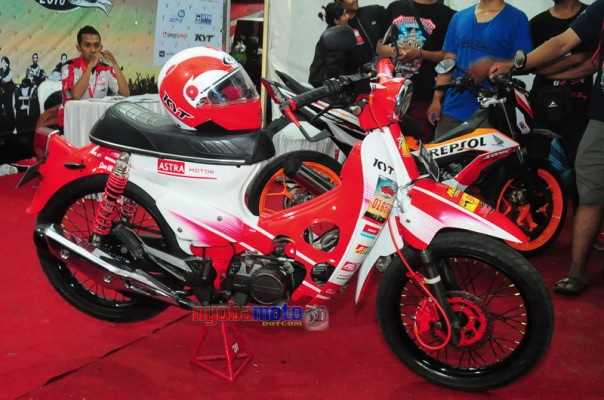 Honda C70 livery ART Racing Team