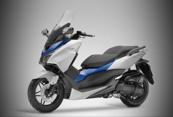 Apakah Honda Forza ini yang akan dilokalkan ? Pastinya seru kalau iya :)