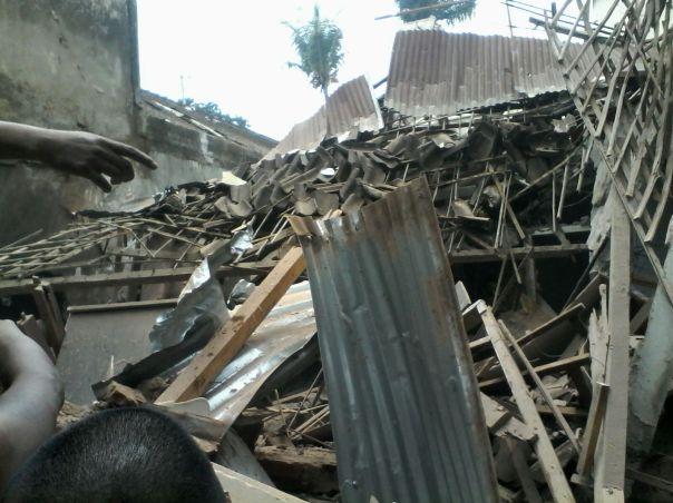 Rumah warga yang tertabrak