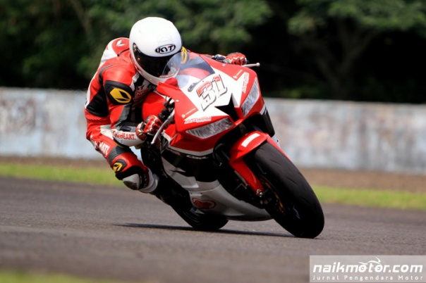 Gerry_Salim_Race2_IRS_2016_Seri1