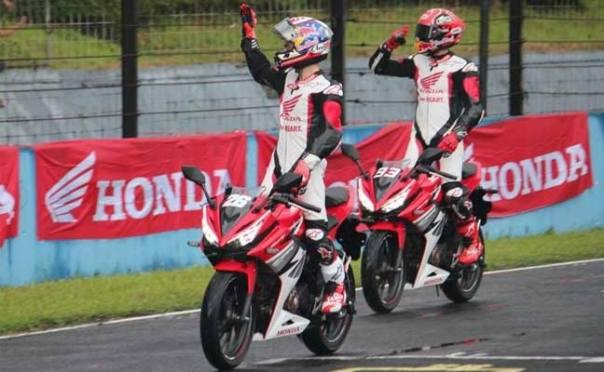 pembalap-repsol-honda-motogp-marc-marquez-dan-dani-pedrosa-launching-all-new-cbr150r