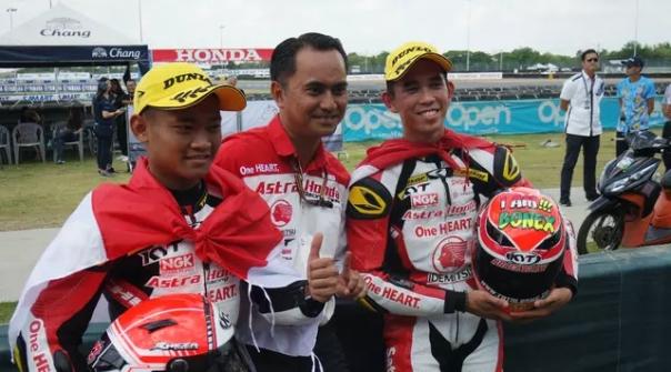 Gerry Salim dan Rheza Danica podium sirkuit Chang
