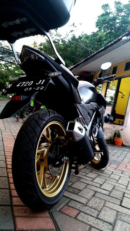 maisibi - honda new cb150r stallion black_2657729638..jpg